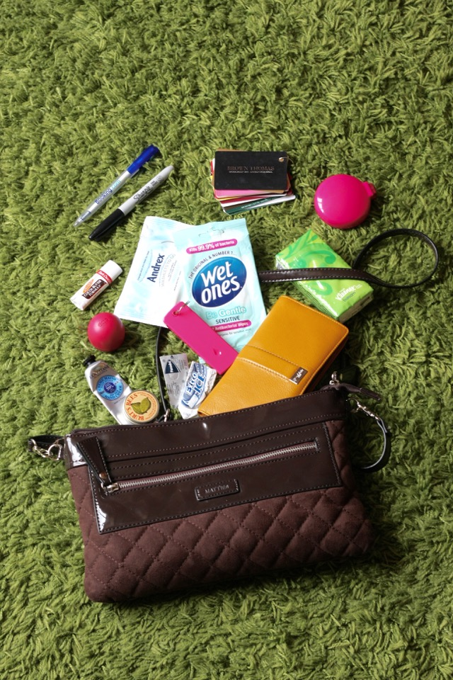 matties handbag whats in my bag egletv